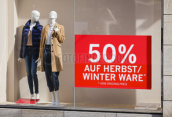 Abverkauf beim Einzelhandel in der Coronakrise  Essen  Nordrhein-Westfalen  Deutschland