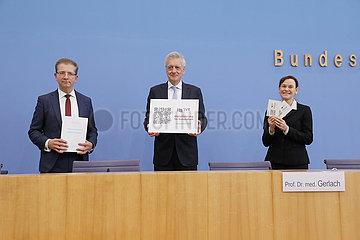 Bundespressekonferenz zum Thema: Gutachten Digitalisierung des Sachverstaendigenrates zur Begutachtung der Entwicklung im Gesundheitswesen (SVR)