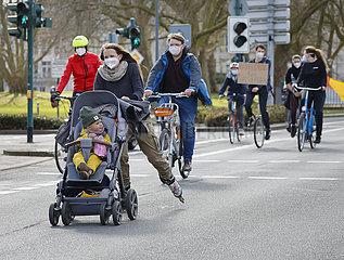 Fridays for Future  Fahrraddemo  Essen  Nordrhein-Westfalen  Deutschland