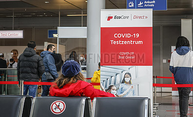 Corona Schnelltest  Flughafen  Duesseldorf  Nordrhein-Westfalen  Deutschland