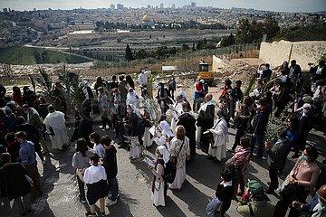 MIDEAST-JERUSALEM-WESTERN WALL-PRAY