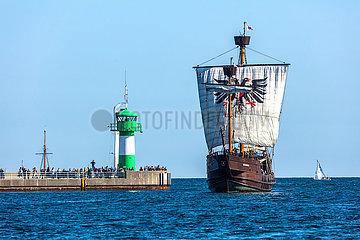 Travemünde  einlaufen der Kogge Lisa zu Lübeck an der Nordermole.