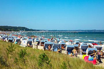 Timmendorfer Strand  belebter Strand.