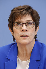 Bundespressekonferenz zum Thema: Dein Jahr f?r Deutschland bei der Bundeswehr - Start des neuen Freiwilligen Wehrdienstes im Heimatschutz