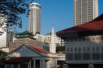 Singapur  Republik Singapur  Stadtansicht mit Hochhaeusern in der Innenstadt waehrend der Corona-Pandemie