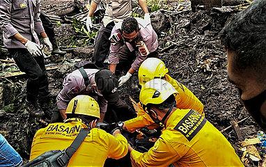 INDONESIEN-Nusa Tenggara Timur-FLASH FLOOD-AFTERMATH