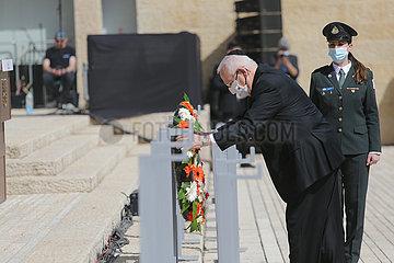 MIDEAST-JERUSALEM-HOLOCAUST Volkstrauertag?