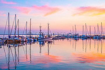 Ostseeinsel Poel  Abendstimmung am Hafen von Timmendorf Strand