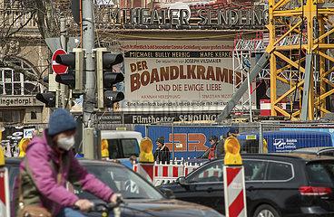 Geschlossenes Kino am Sendlinger Tor Platz  Muenchen  April 2021