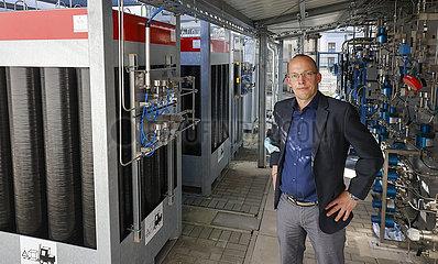 Christian Spitta  ZBT Zentrum fuer BrennstoffzellenTechnik Duisburg  Testbetankungsanlage  Nordrhein-Westfalen  Deutschland