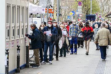 DEUTSCHLAND-Berlin-COVID-19-Cases-3 Millionen
