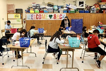 U.S.-LOS ANGELES-COVID-19-SCHOOLS-REOPEN