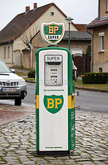 Schwante  Deutschland  Stromtankstelle im Retro-Design