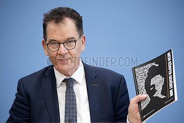 Gerd Mueller  Weltbevoelkerungsbericht