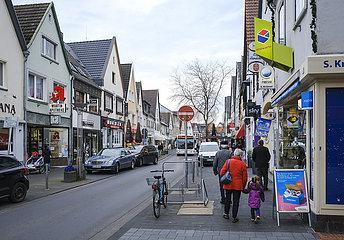 Hauptstrasse in Zeiten der Corona Pandemie  Rheinbach  Rhein-Sieg-Kreis  Nordrhein-Westfalen  Deutschland