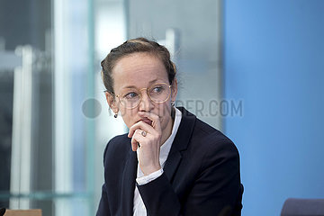 Prof. Louisa Specht-Riemenschneider  Report Verbraucherschutz