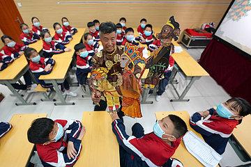 CHINA-HEBEI-IMMATERIELLES KULTURGUT-SHADOW PLAY (CN) CHINA-HEBEI-IMMATERIELLES KULTURGUT-SHADOW PLAY (CN)
