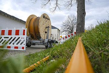 Kabeltrommel mit Glasfaserkabel  Breitbandausbau  Rheinbach  Rhein-Sieg-Kreis  Nordrhein-Westfalen  Deutschland