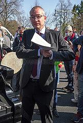 Hansjoerg Mueller