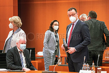 Gruetters + Seehofer + Muentefering + Spahn