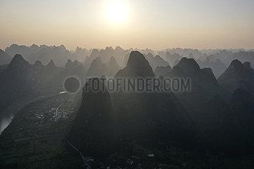 CHINA-GUANGXI-LIJIANG Kulisse (CN)