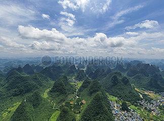 CHINA-GUANGXI-LIJIANG Kulisse (CN) CHINA-GUANGXI-LIJIANG Kulisse (CN) CHINA-GUANGXI-LIJIANG Kulisse (CN)