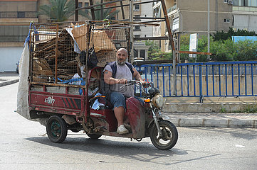 LIBANON-BEIRUT-TUK-TUK FAHRZEUG EINKOMMEN LIBANON-BEIRUT-TUK-TUK FAHRZEUG-INCOME