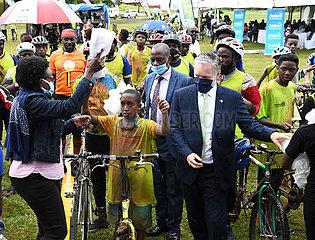 UGANDA-KAMPALA-Weltmalariatag-Losfahren  UGANDA-KAMPALA-Weltmalariatag-Losfahren  UGANDA-KAMPALA-Weltmalariatag-Losfahren  UGANDA-KAMPALA-Weltmalariatag-Losfahren  UGANDA-KAMPALA-Weltmalariatag-Losfahren