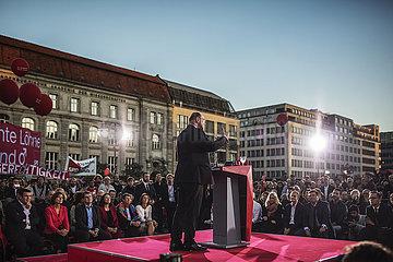 Schulz does Gendarmenmarkt