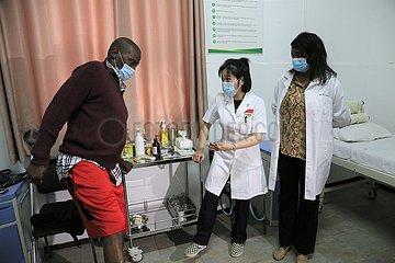 SIMBABWE-HARARE-TCM-Klinik-bezahlbare Behandlung
