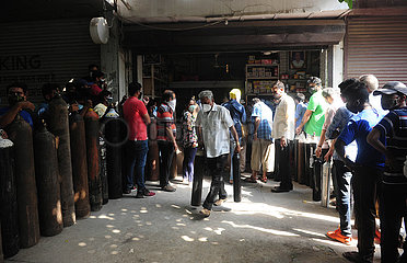 INDIEN-NEW DELHI-COVID-19-Sauerstoff-Flaschen