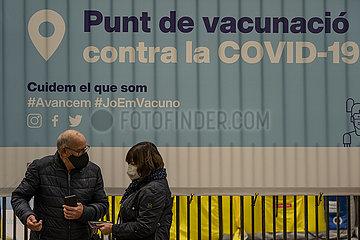 SPANIEN-BARCELONA-COVID-19-IMPFUNG