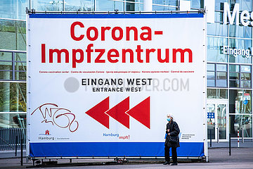Corona Impfzentrum - Corona Vaccination Center
