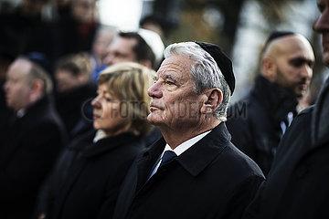 Joachim Gauck at Cottbus synagogue