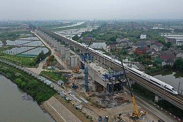 CHINA-ZHEJIANG-Hochgeschwindigkeits-Eisenbahn-Brücke (CN)
