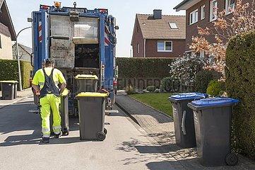 Leerung von Mülleimern