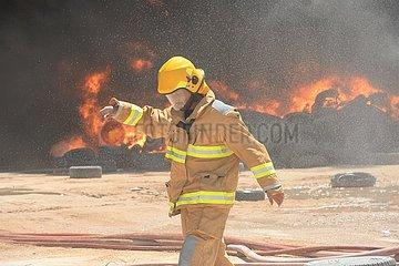 KUWAIT-Jahra GOVERNORATE-REIFEN YARD-FIRE