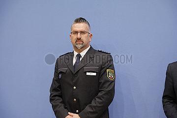 Bundespressekonferenz zum Thema: Pandemie  Personal und Foederalismus - Wie geht es der Polizei?