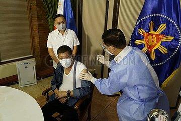PHILIPPINEN PRÄSIDENT-DUTERTE-COVID-19-IMPFUNG