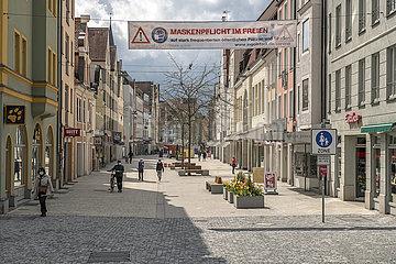 Fussgaengerzone in Ingolstadt  Maskenpflicht  Lockdown  Mai 2021
