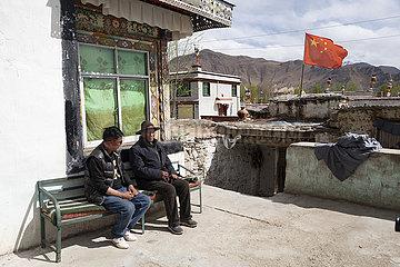 (InTibet) CHINA-TIBET-EHEMALIGE SERF-NEW LIFE-NORBU (CN)