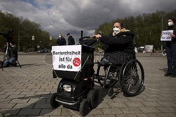 Protest Barrierefreiheitsrecht fuer Behinderte