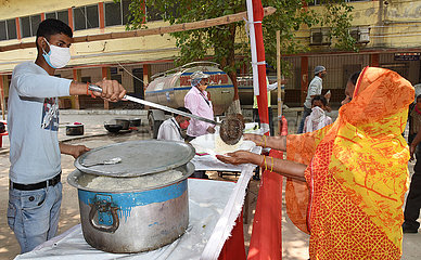 INDIA-PATNA-COVID-19-FOOD DISTRIBUTION