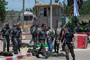 MIDEAST-JENIN-ATTACK-PALESTINIAN CASUALTIES MIDEAST-JENIN-ATTACK-PALESTINIAN CASUALTIES