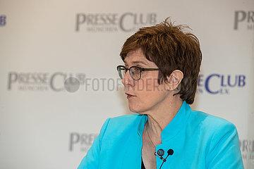 Verteidigungsministerin Annegret Kramp-Karrenbauer