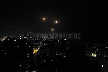 MIDEAST-GAZA-STADT-RAKETEN-firing
