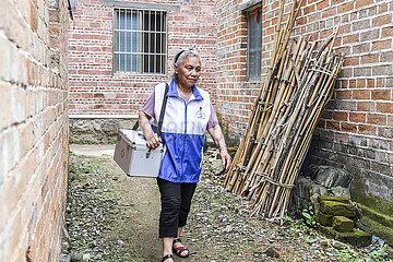 CHINA-GUANGXI-Hezhou-Dorfarzt (CN)