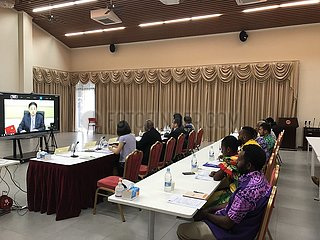 VANUATU-PORT VILA-CHINA-Dialog mit der Jugend