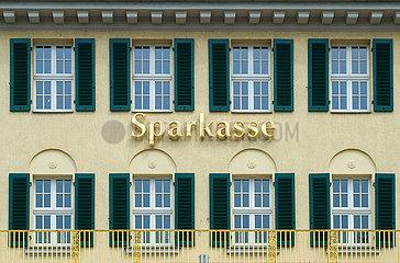 Dresden  Deutschland - Schriftzug Sparkasse an einer Fassade