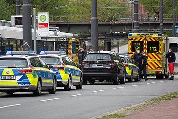 Deutschland  Bremen - Polizeieinsatz wegen eines Randallierers im Oeffentlichen Nahverkehr